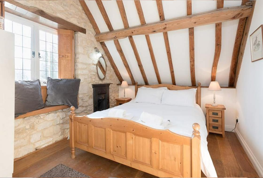 Master Bedroom of Rental Holiday Cottage in Bath