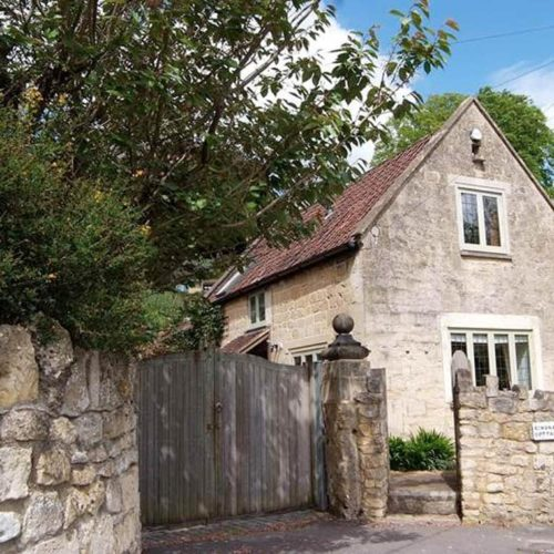 Holiday Cottage In Bath